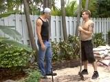 El jardinero me la pone dura - Sexo En Público