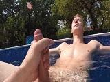 Sexo en la piscina de mi colega - Europeos