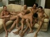 Cinco amigos se montan una orgía - Orgias