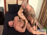 Mucho tatuaje y mucho sexo - Papis