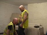 Obreros follando en la obra - Osos