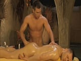 Sus masajes siempre acaban en orgasmo - Masajes