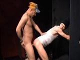Sexo en los lavabos de un pub