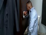 Gloryhole gay en los baños públicos - Mamadas