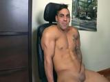 Probando el paquete de un brasileño gay - Cachas