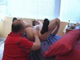 Ven aquí sobrino que te examine la próstata - Papis