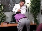 Jefes gays cerrando buenos acuerdos en los despachos..