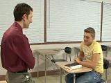 Si me dejo follar por el profesor me aprobará el curso - Universitarios