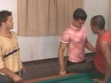 De jugar al billar a jugar con otro palo y otras bolas.. - Latinos