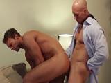 Las reuniones de trabajo siempre acaban en sexo duro