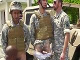 Militares haciendo una buena orgía, como les gusta!