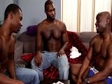 Reunión de chicos negros, esto termina en un buen trío - Negros