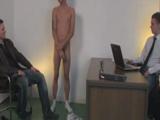 La entrevista de trabajo acaba en sexo real - Sumisos
