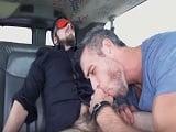 Follando en la furgoneta, otro vídeo gay para la colección