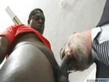 Papi peludo follado por un negro - Papis