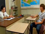 Tiene dudas sobre su sexualidad; Su profesor le ayuda a resolverlas