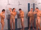 Después del partido siempre entra una buena ducha juntos - Europeos