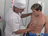 Sexo oral con mi doctor preferido