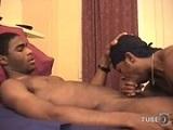 Sexo casero de una pareja de negros - Negros